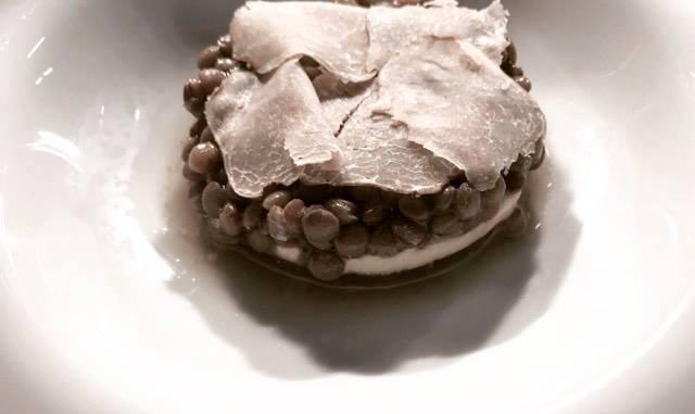 LEGUMI NEL FUTURO. Lenticchie, nocciole, aglio e tartufo bianco, il piatto inedito di Niko Romito aMadrid Fusión