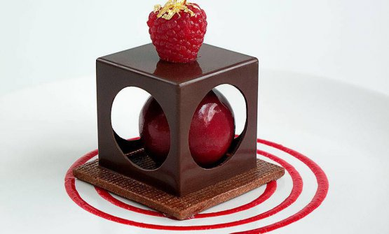 Raspberry chocolate cube box