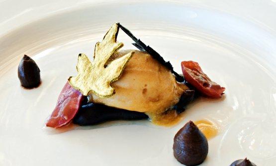 Il dessert di Ludovico De Vivo, una festa di fine vendemmia. Le foglie colorate e croccanti, la ganche golosa di cioccolato, il sorbetto di mosto d'uva, gli acini fermentati