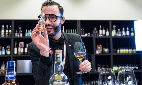 Le coinvolgenti interpretazioni sul tema whisky di Alejandro Daniel Mazza
