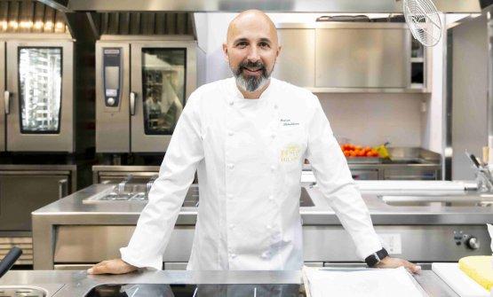 Andrea Ribaldone nella cucina di Identità Golose Milano