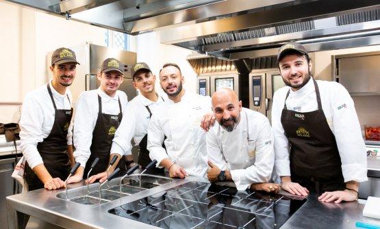 La brigata di Identità Milano. Da destra il pastry chef Gabriele Tangari, lo chef Andrea Ribaldone, il resident chef Alessandro Rinaldi, il sous chefAlessio Sebastiani