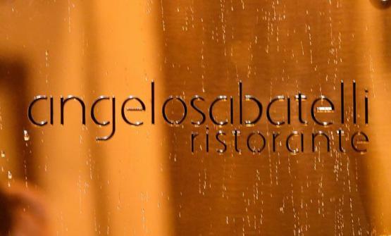 L'insegna del nuovo ristorante di Angelo Sabatelli (foto di Sue Castellana / Facebook)