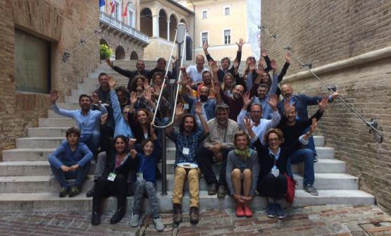 Una parte dei produttori che hanno arricchito Terroir Marche, il 20-21 maggio scorsi a Macerata. Grandi vini marchigiani ma anche dalla Borgogna e dalla Mosella