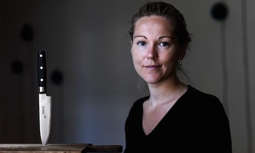 Anita Klemensen, a chef originally from Jutland is now at the helm of Den Røde Cottage in Klampenborg, close to Copenhagen, in Denmark, tel. +45.39904614, 1 Michelin star (photo politiken.dk)