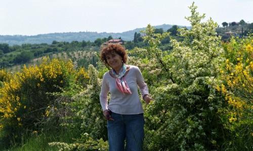 Ombretta Pivi, proprietaria di�Terre di Fiume a�Friano, Coriano (RImini),�+39.347.3642996, una giovane cantina, senza cantina. Notevole il suo�Ferianus, bianco da Rebola al 95 con un 5 di chardonnay