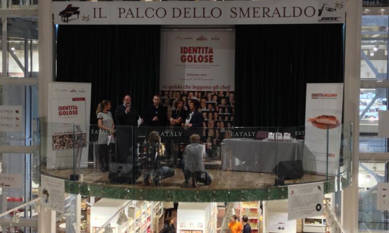 Paolo Marchi sul palco (con David Toutain, miglior chef straniero) durante la presentazione della guida Identit� Golose 2015, all'Eataly Smeraldo di Milano