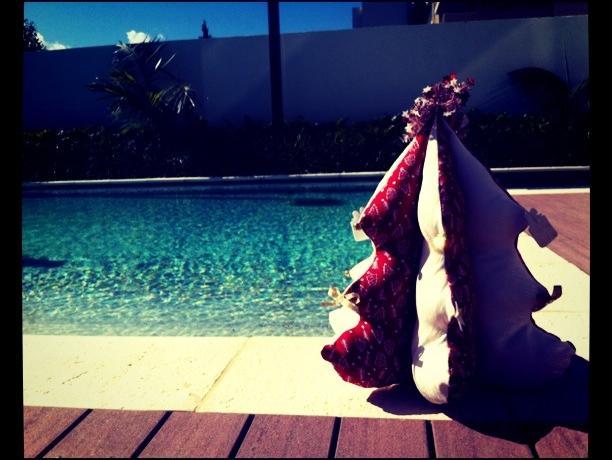 In Australia somiglia in parte al Ferragosto, scrive Michela Cimnaghi, che vive a Perth. La capatina in spiaggia (o il tuffo in piscina) sono un must