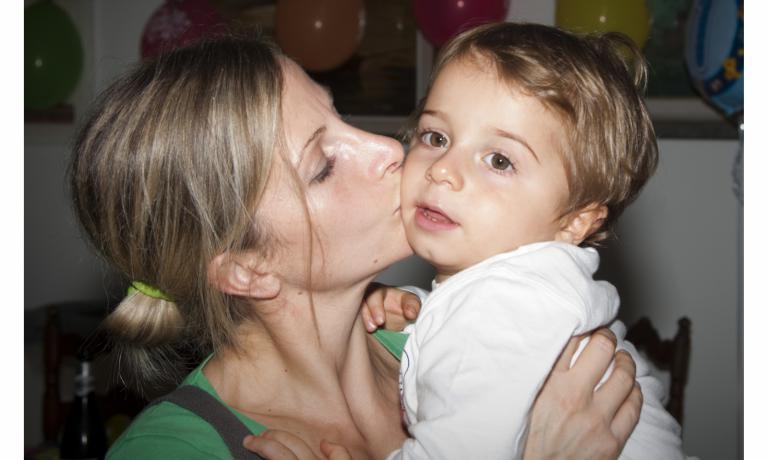 Loretta Fanella con il figlio Giulio, 3 anni e poc