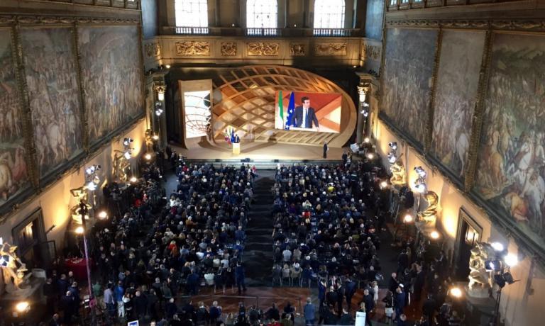 Ieri a Firenze seconda tappa dell'Expo delle Idee, dopo quella milanese del 7 febbraio scorso. Folta la delegazione dei rappresentanti istituzionali a Palazzo Vecchio (nella foto, una panoramica durante l'intervento di Maurtizio Martina, ministro delle Politiche Agricole e Alimentari)