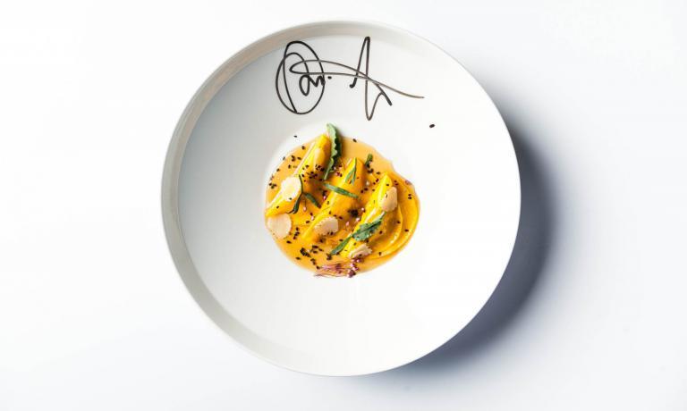 Il Raviolo Umami, piatto presentato dallo chef Gianfranco Pascucci di Pascucci al Porticciolo a Fiumicino (Roma) a The CooKing Show,�la striscia quotidiana condotta su Rai3 da Lisa Casali. Una soluzione con tanti risvolti anti-spreco (foto del post di�Eugenio Iuti)