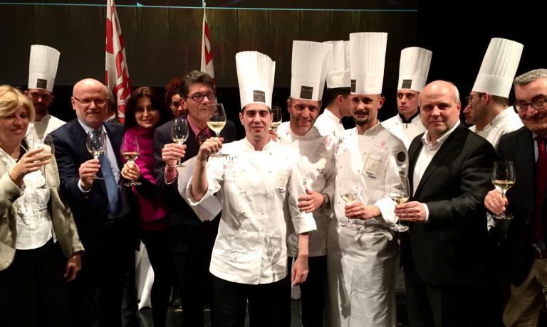 I festeggiamenti per Marco Acquaroli, lo chef bergamasco del Four Seasons di Ginevra che ha vinto le selezioni italiane per il Bocuse d'Or