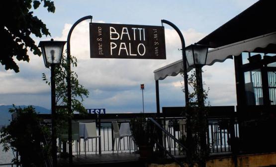 L'insegna diBattipalo a Lesa, sponda novarese del lago Maggiore, +39.0322.76069 (foto overplace)