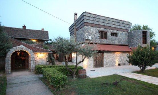 Stara Kucaa Podgorica, telefono +382.069.030204, cucina piacevole in Montenegro