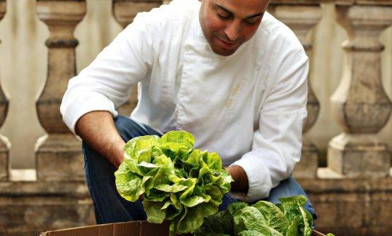44 anni, israeliano di Eliat, origini marocchine, Meir Adoniè chef diBlue Skye Luminaa Tel Aviv e diNura New York(foto nurnyc.com)