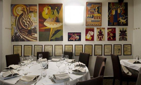 La sala del ristoranteLacerba in via Orti 4 a Milano, telefono +39.02.5455475. Il tema futurista si deve al patron Giovanni Papini
