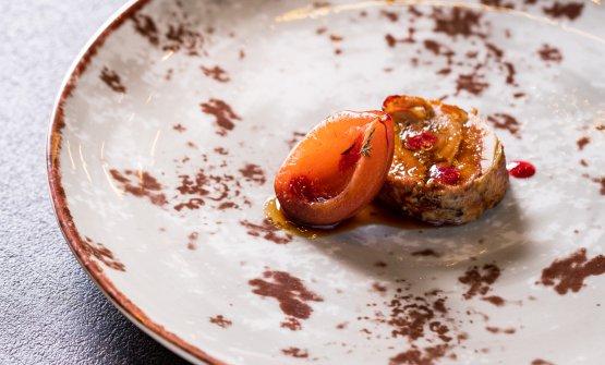 Lefoto dei piatti del menu a 6 mani, preparato all'Osteria di Birra del Borgo di Roma, martedì scorso. Qui, il Rotolo di faraona ripieno del suo fegato e demi-glace all'estratto di prugne selvatiche di Anna Barbina