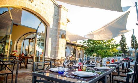 Gli spazi esterni del ristorante X Food diSan Vi