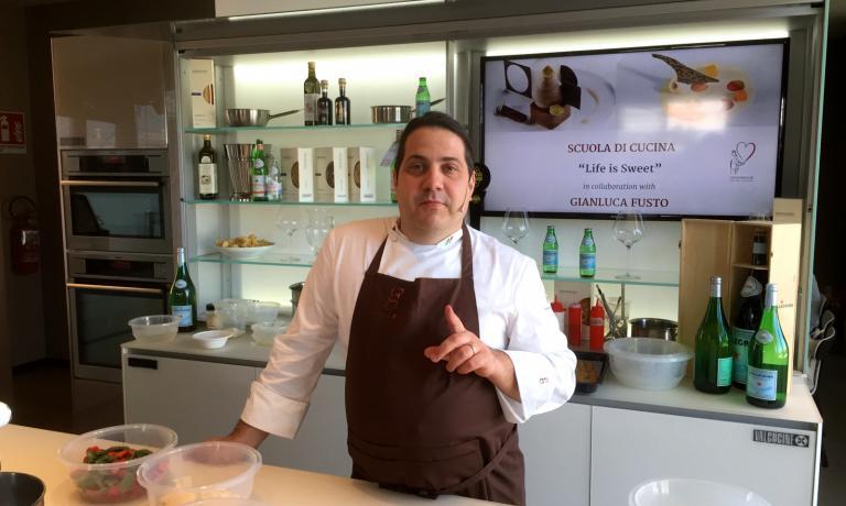 Gianluca Fusto ieri alla Scuola di Cucina di Identit� Expo