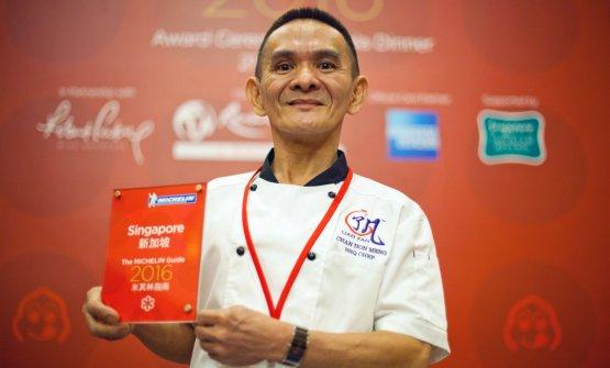 Chan Hong Mengalla premiazione della Michelin Singapore 2016, quando ha ricevuto la stella