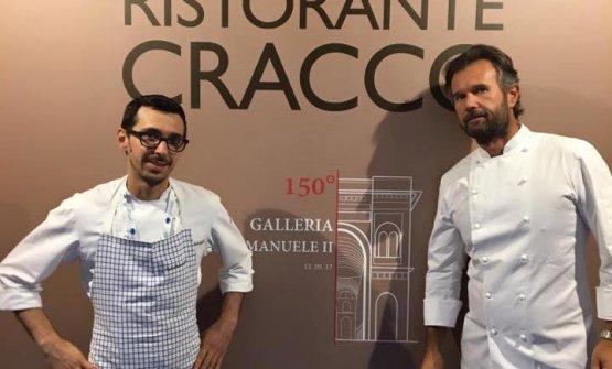 Con Cracco davanti al cantiere in Galleria Vittorio Emanuele II a Milano