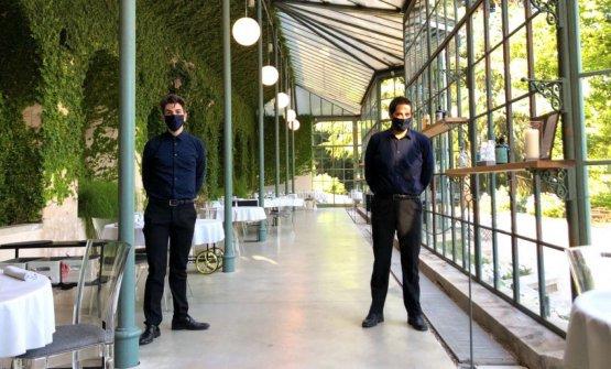 Lo staff di sala del ristorante Feel Como, nella sede temporaneaalle Serre di Villa del Grumello