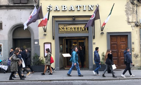 L'ingressodi via Panzani 9a, a pochi passi da Santa Maria Novella. Il ristorante si trasferì negli anni Trenta dalla vicina via Valfonda
