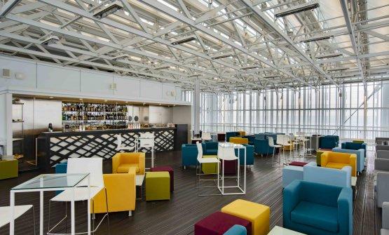 Due piani più sopra, il lounge bar Terrazza 37