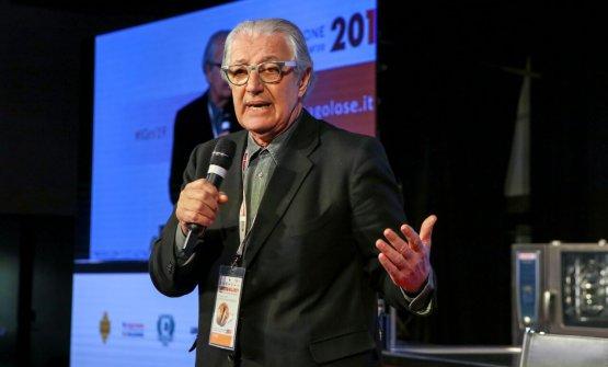 Il professor Davide Rampello, primo relatore della mattinata
