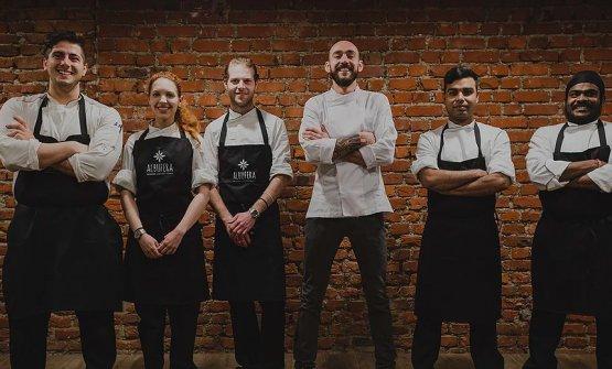 Il team di Albufera (il cuocoMateus Avila Lobo Coelho è il terzo da destra)