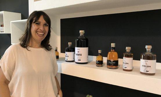 Anna Iannetti mostra i prodotti Scuppoz