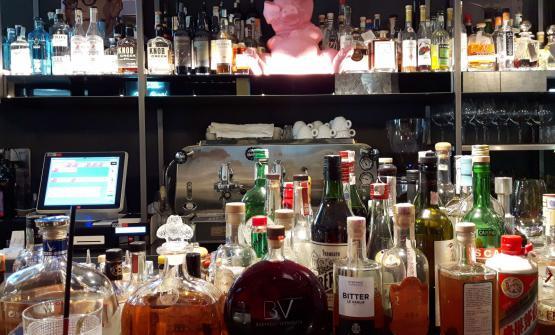 Il bancone del Bar Bieri