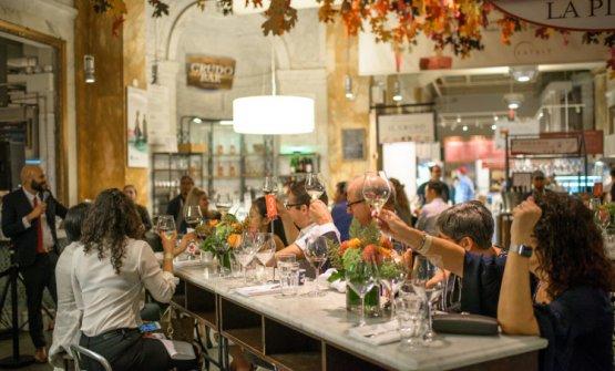 Come da tradizione degli ultimi anni, la chiusura spetta alla cena itineranteDine Around