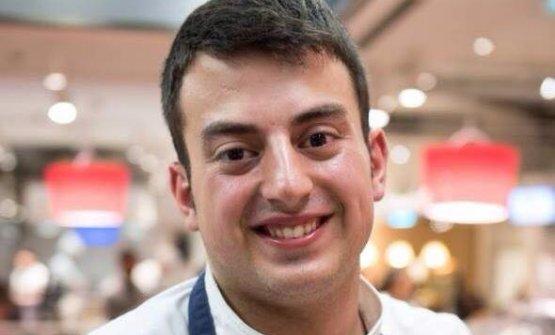 Simone Nebbia, premiato nel 2015 dalla Guida di Identità Golose come miglior sous chef, da due anni a Lima guida la cucina di un ristorante italiano che si chiama Symposium e si trovanel quartiere di San Isidro