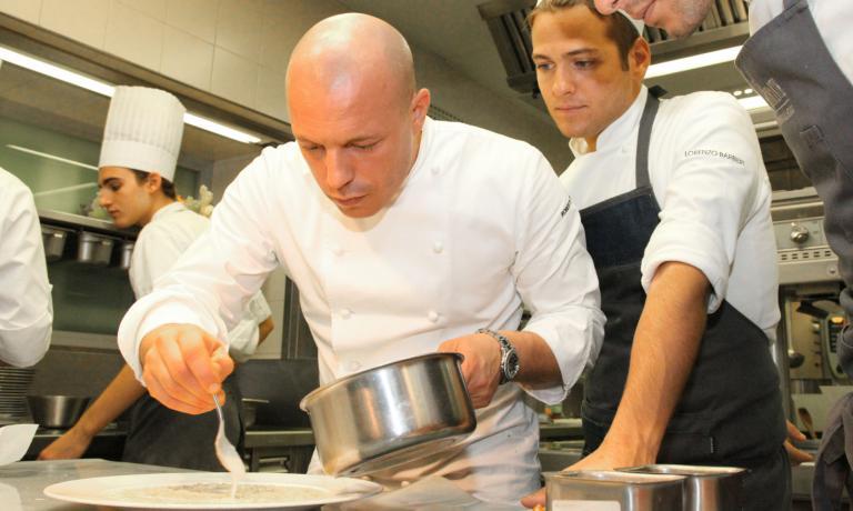 Roberto Conti, pavese, 34 anni, da 2 stagioni chef del Trussardi alla Scala