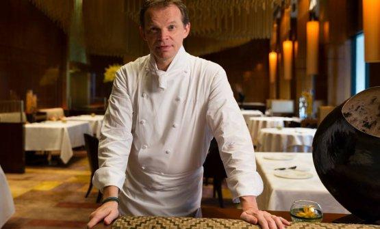 Amber nel 2018 chiuderà. Per rinnovarsi completamente. Lo chef Richard Ekkebus è sicuro che i suoi clienti lo seguiranno. Gli stessi che all'inizio non lo hanno capito, ma che ora vanno in pellegrinaggio per assaggiare i piatti che lo hanno reso famoso