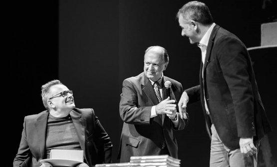 Felice Marchioni sul palco per la premiazione, durante la presentazione della Guida L'Espresso 2018