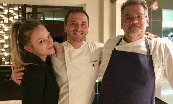 Theo Penati con i collaboratori Anna Manzoni e Michelangelo D'Oria. Lo chef ha aperto da pochi giorniPierino Penati a Città del Capo, bissando la storica insegna di Viganò Brianza (Lecco)