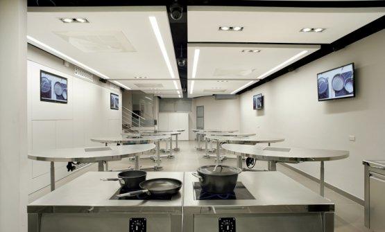 Sede dei corsi, le postazioni tecnologiche di Arte del Convivio, corso Magenta 46 a Milano