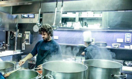 Matias Perdomo in cucina