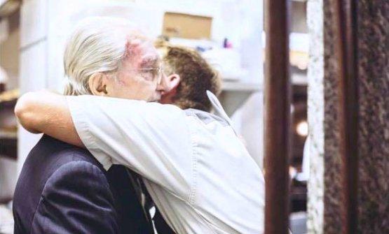 Un abbraccio tra Marchesi e Luca Gagliardi
