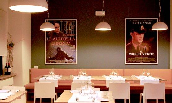 Ironia nei manifesti all'interno del ristorante InGalera