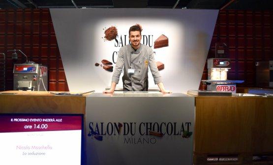 Il giovane pastry chef Nicolò Moschella al Salon du Chocolat