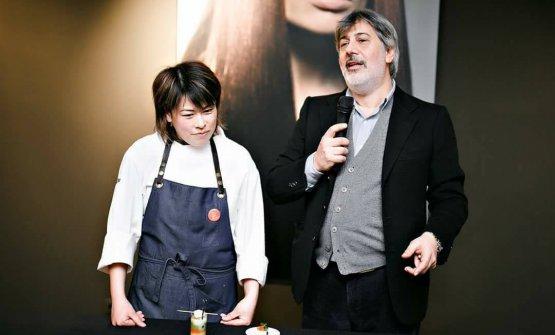 Scarselli con la sua chef Fumiko Sakai