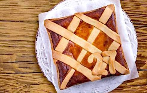 La particolare pastiera 27, quadrata, della pasticceria Ranieri