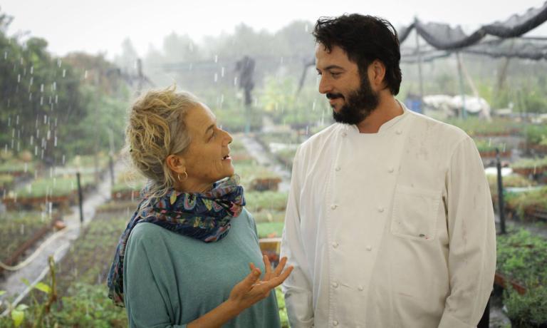 Rama Ben Zvi, la proprietaria del Rama's Kitchen, con lo chef Tomer Miv