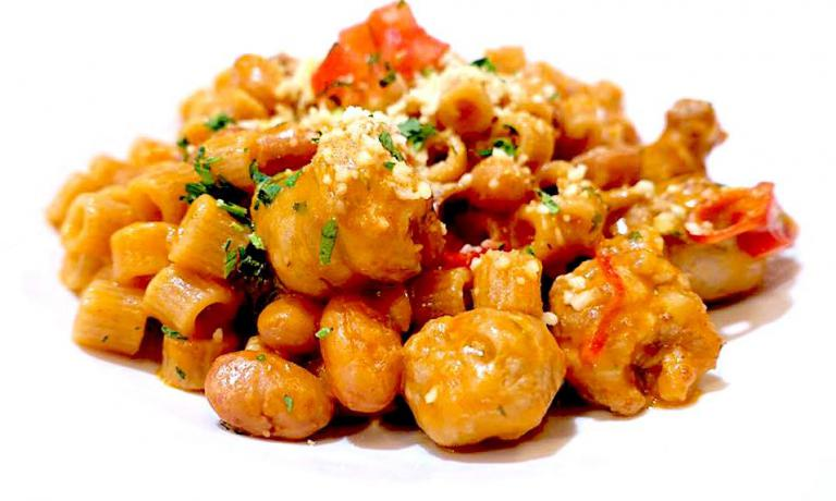 Monograno Felicetti spelt ditalini with Italian borlotti beans and Calabrian sausage: one of the dishes at iTalico