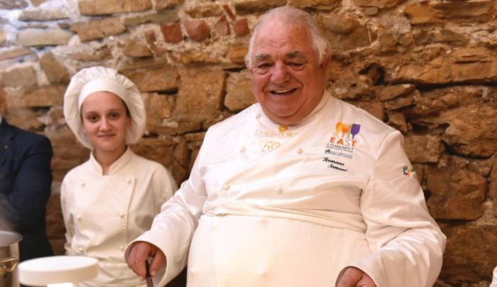 Lo chef Romano Tamani, insieme al fratello Carlo, dal 1978 guida questo ristorante con una grande passione per la tradizione gastronomica del suo territorio