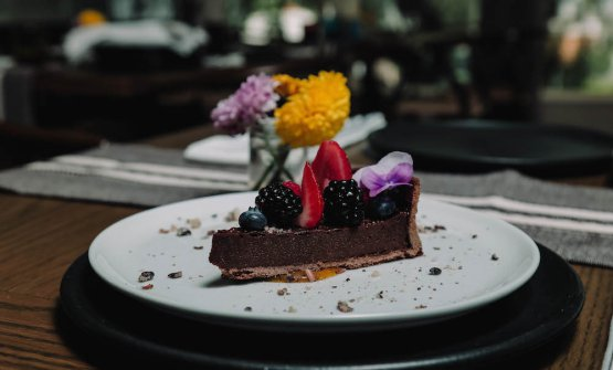 Chocolate tart with agave honey