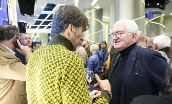 Con Davide Oldani (di spalle), Antonio Santini, maestro di sala
